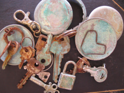 http://treasuresfromtheheartgifts.blogspot.com/2012/07/rust-and-patina-how-to.html