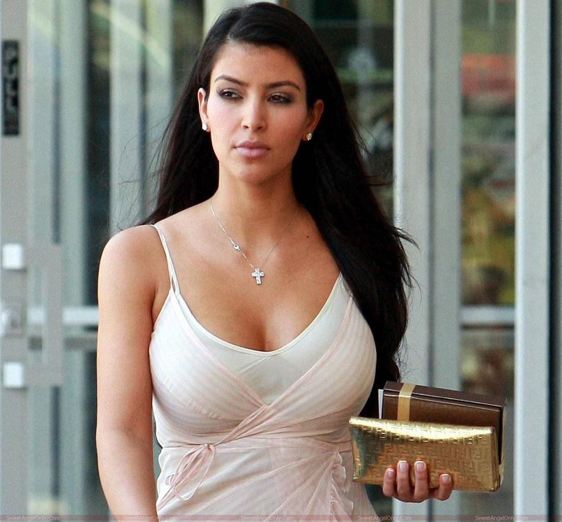 http://4.bp.blogspot.com/--46maloEGNQ/UQqJGLfvSII/AAAAAAAACkQ/ZDZvxFHJ0jM/s1600/Kim+Kardashian++2013+05.jpg