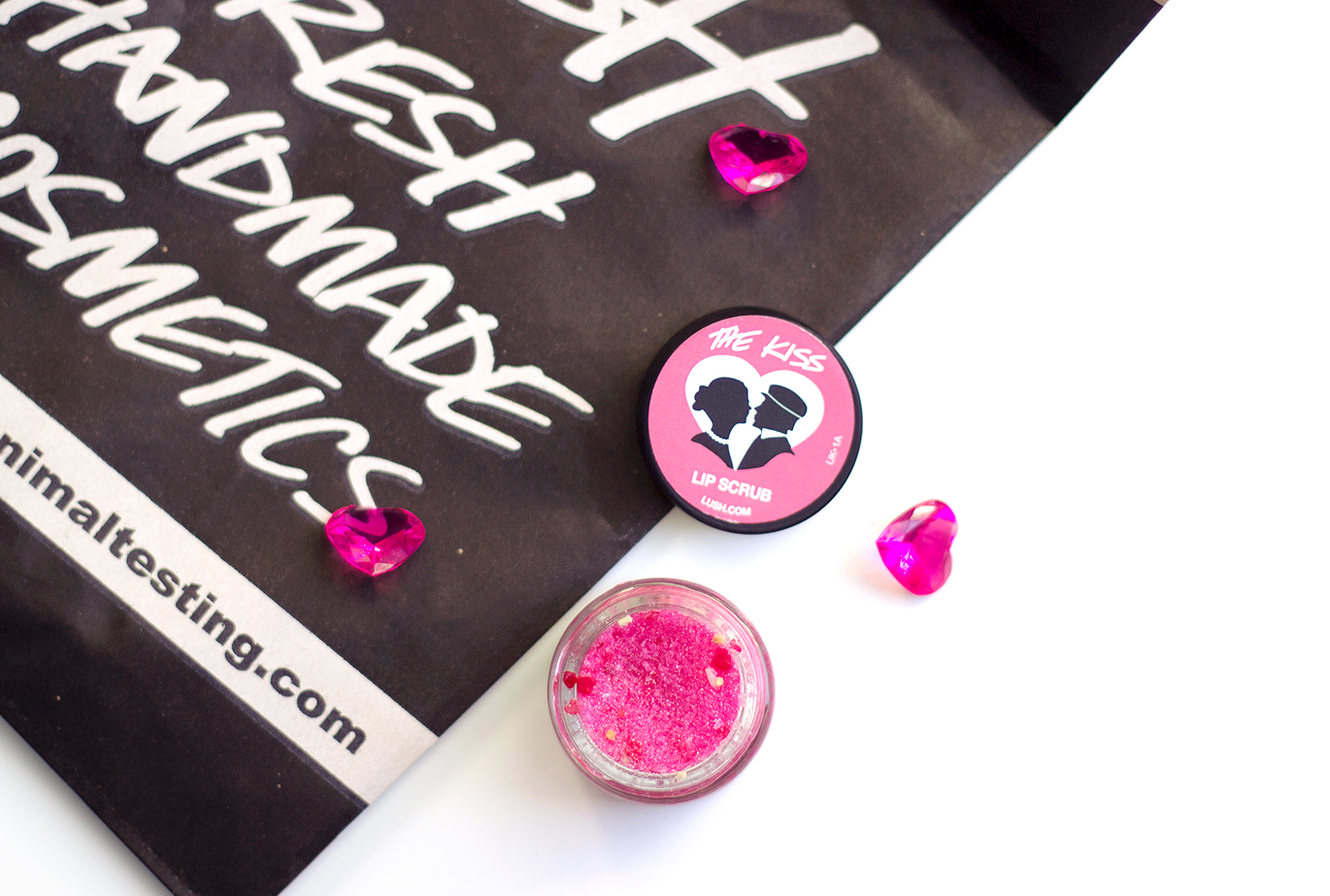 Lush The Kiss Lip Scrub, Lush The Kiss Lip Scrub Valentines 2015, Lush The Kiss Lip Scrub Valentines, Lush 2015 Valentines, Lush The Kiss Lip Scrub Review, Lush The Kiss Lip Scrub Beauty Blog,