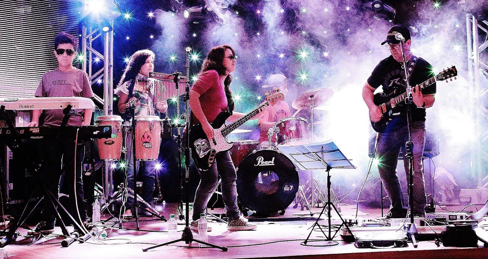 Show no Boliche Xis Show de Bola, em Capão da Canoa/RS.