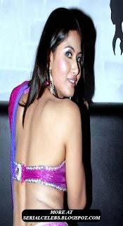 Divya Dwivedi navel show