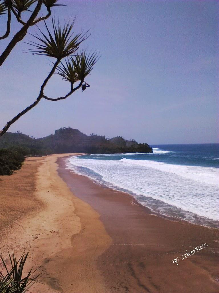 Jejak Kaki Ku Pantai Ngantep Malang