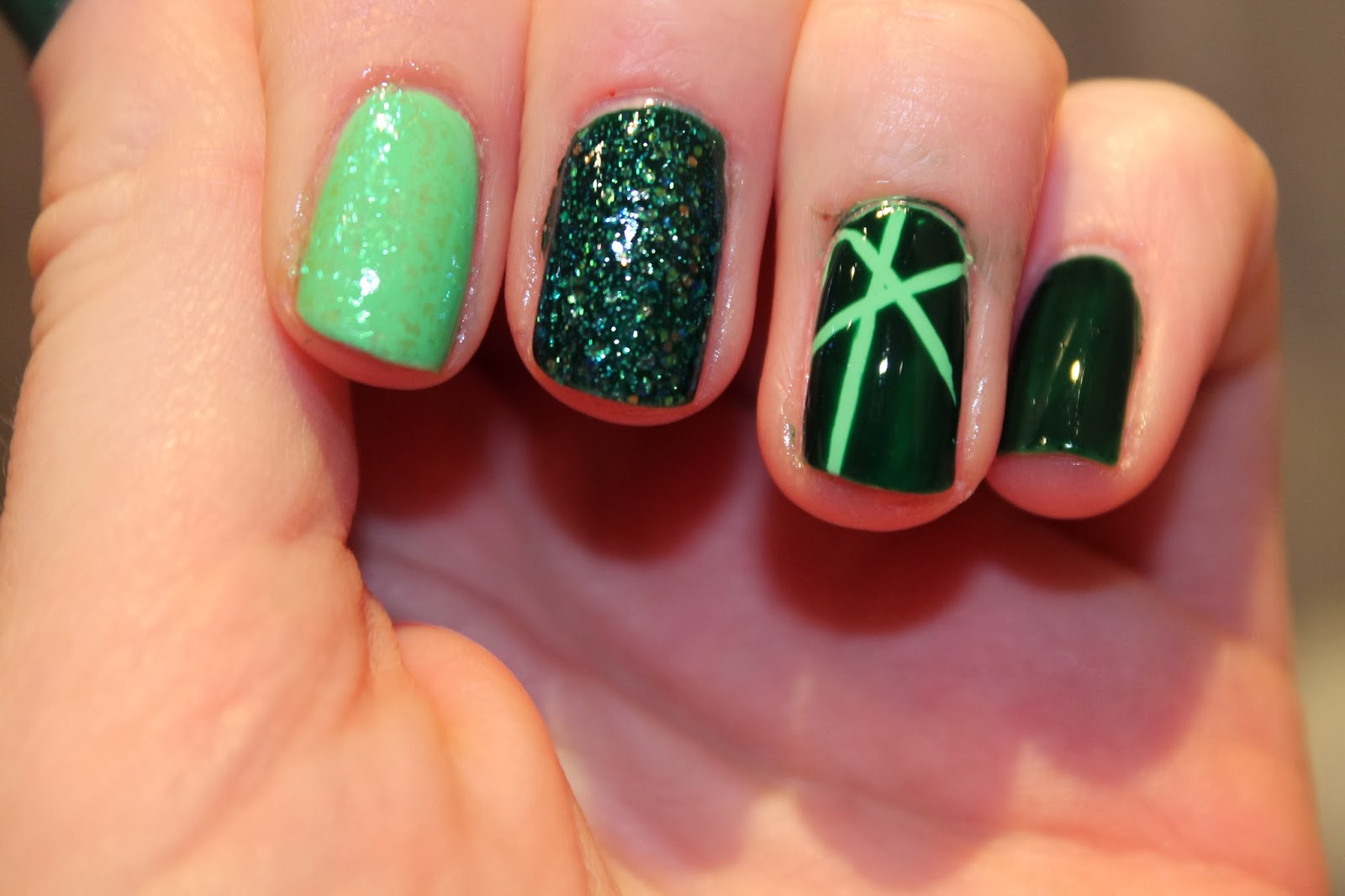 Nail Art Green Birthstone Peridot