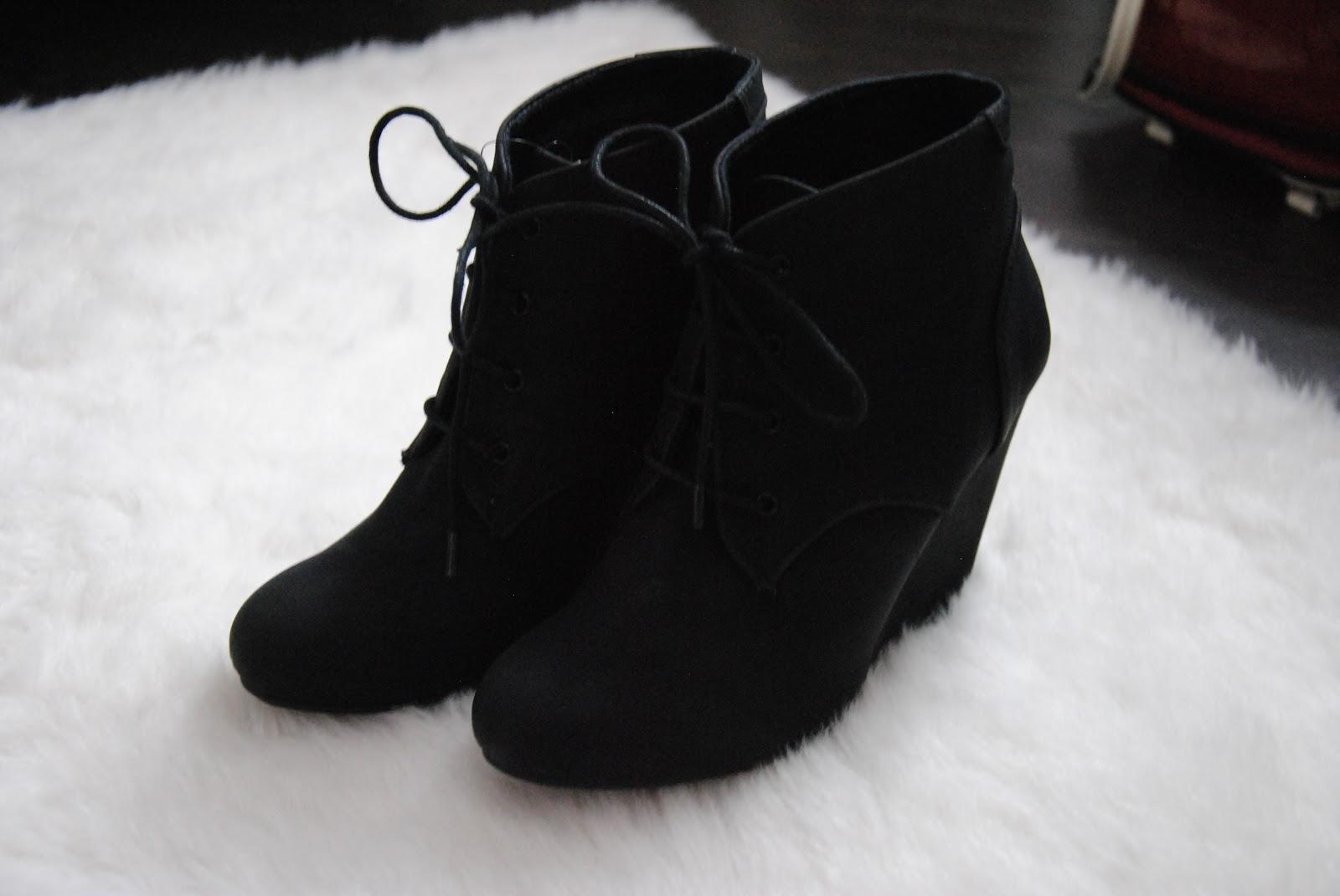 Schuhe Mit Keilabsatz Schwarz Schuhe Mit Keilabsatz Mit