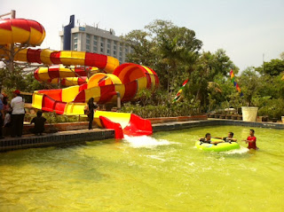 Wisata Dragon slide, Atlantis Water Park Untuk Uji Adrenalin Kamu