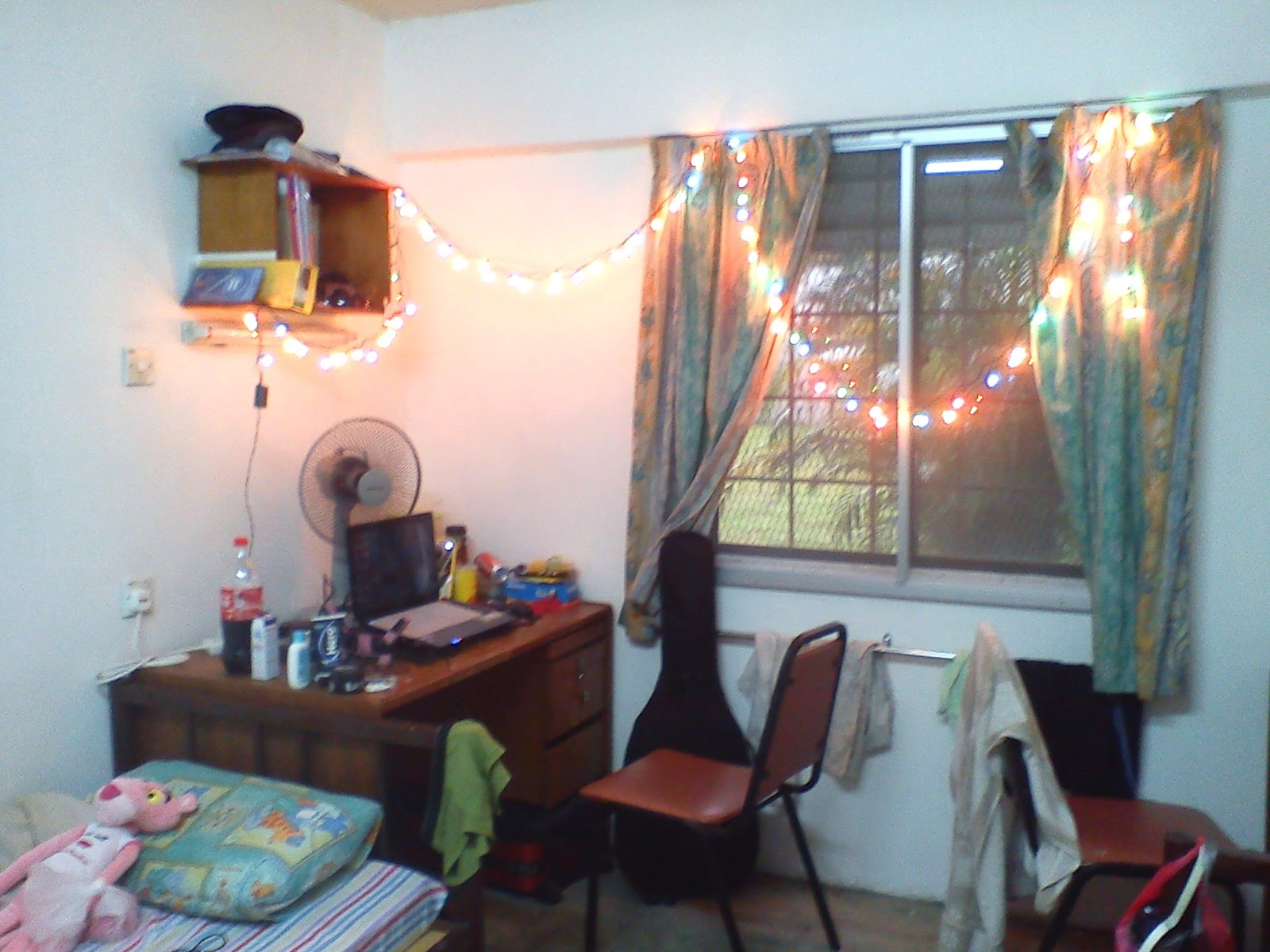 Welcome to my blog i decorate my hostel room 01 for Ideas to decorate my room
