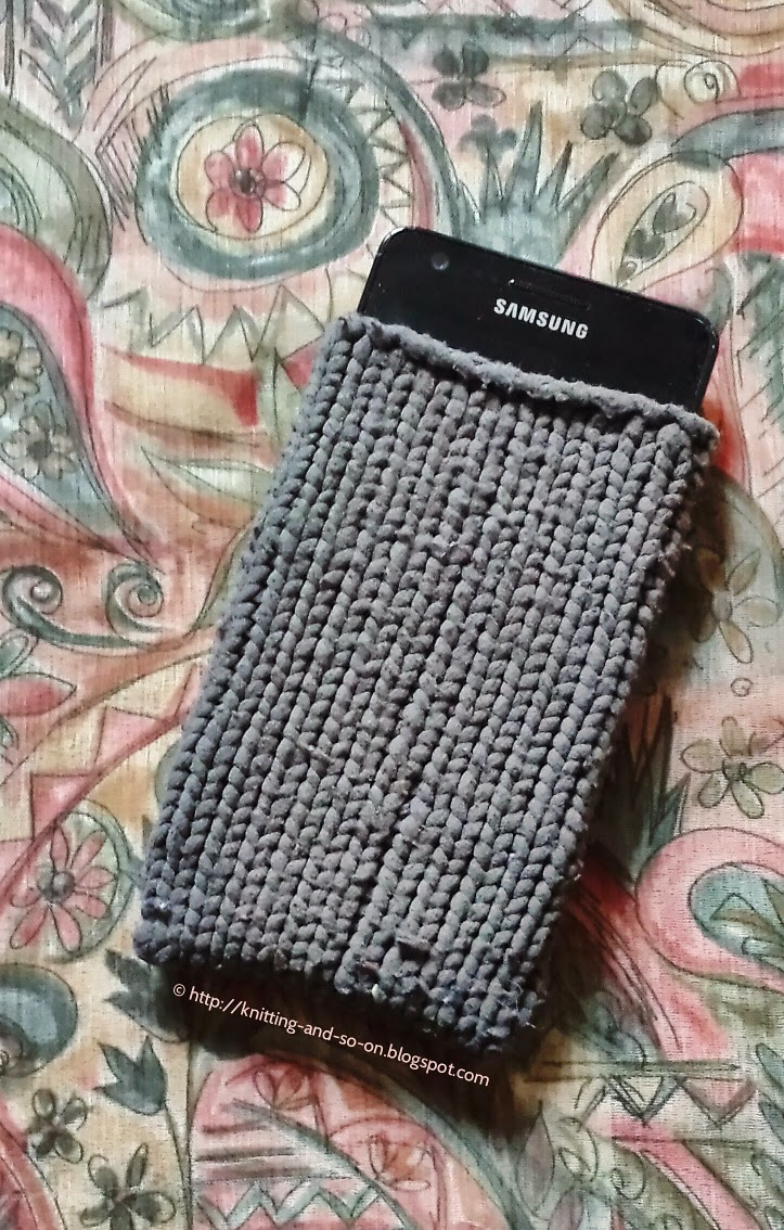 Knitting Patterns For Phone Socks : Knitting and so on: From Pantyhose to Phone Sock