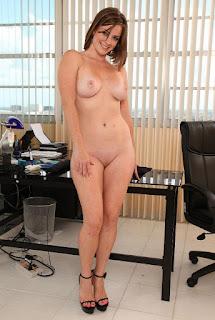 Hot Girl Naked - sexygirl-AAOAABAAFIUY105-763453.jpg
