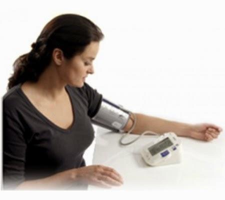 Mua máy đo huyết áp Omron Hem 7203 giá rẻ tại Dụng Cụ Y Tế Sài Gòn