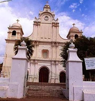 La Iglesia de Asunción en Izalco