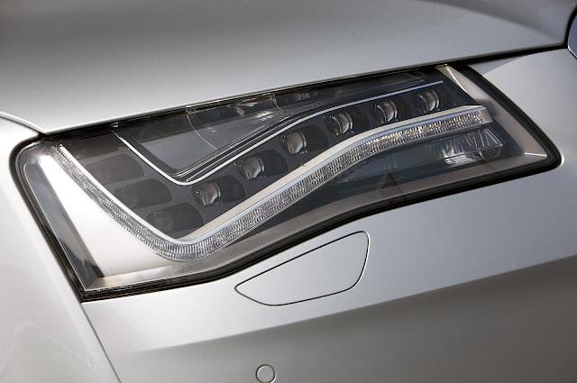 передняя фара, реснички Audi A8 Hybrid 2012 года