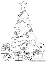 Mewarnai pohon natal unik penuh dengan hadiah dibawahnya