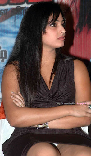 hot south indian actress Haripriya upskirt photo