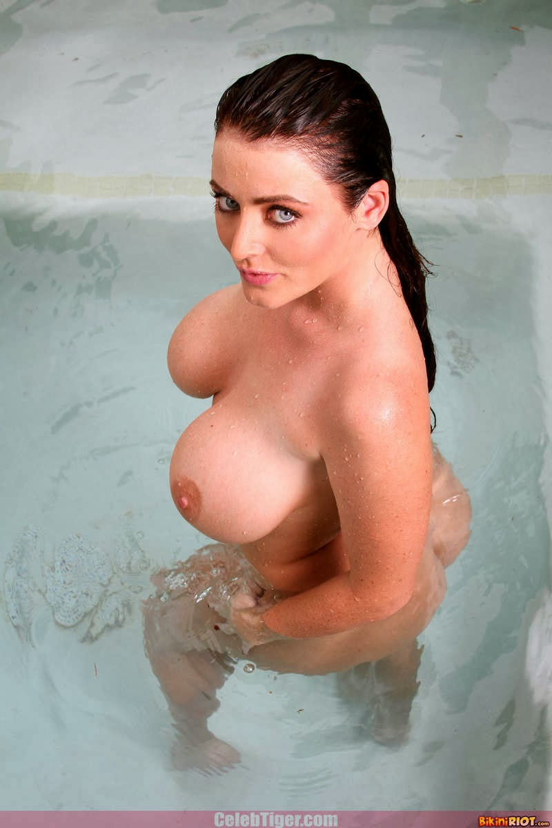 Busty+Babe+Sophie+Dee+Wet+In+Pool+Taking+Off+Her+Blue+Bikini+Posing+Naked www.CelebTiger.com 98 Busty Babe Sophie Dee Wet In Pool Taking Off Her Blue Bikini Posing Naked HQ Photos