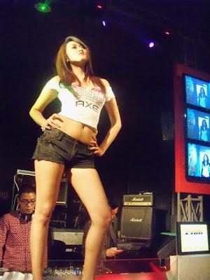 Sexy Model - Devi Liu