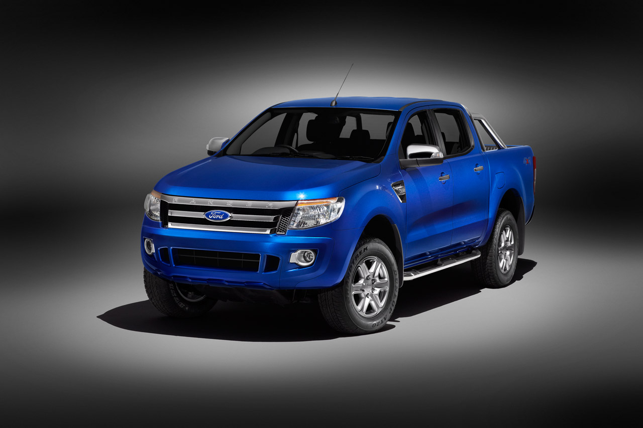 a car Ford Ranger 2013 Cabine Dupla