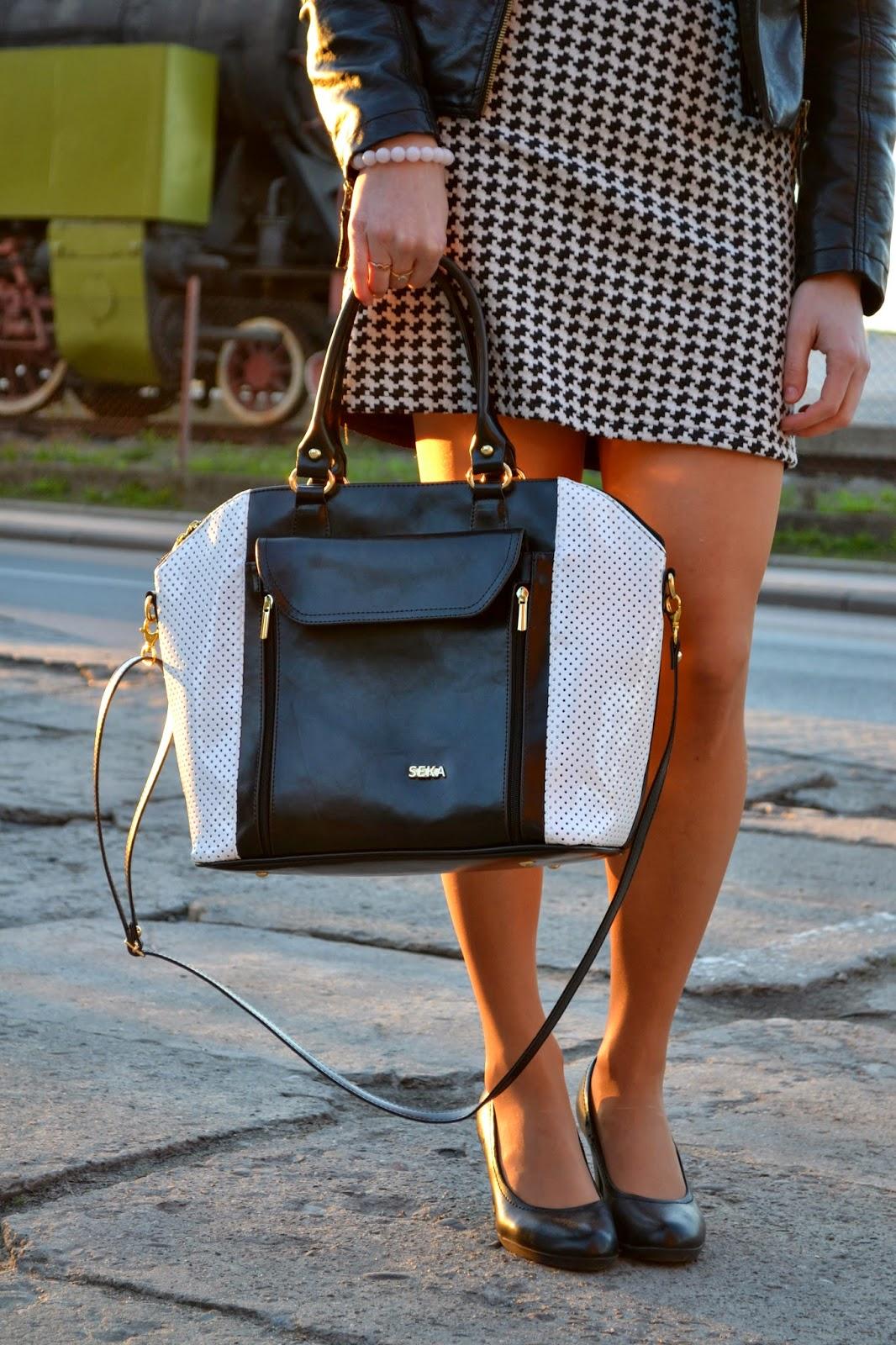 czarno-biała torebka, kuferek, pikowana torebka,