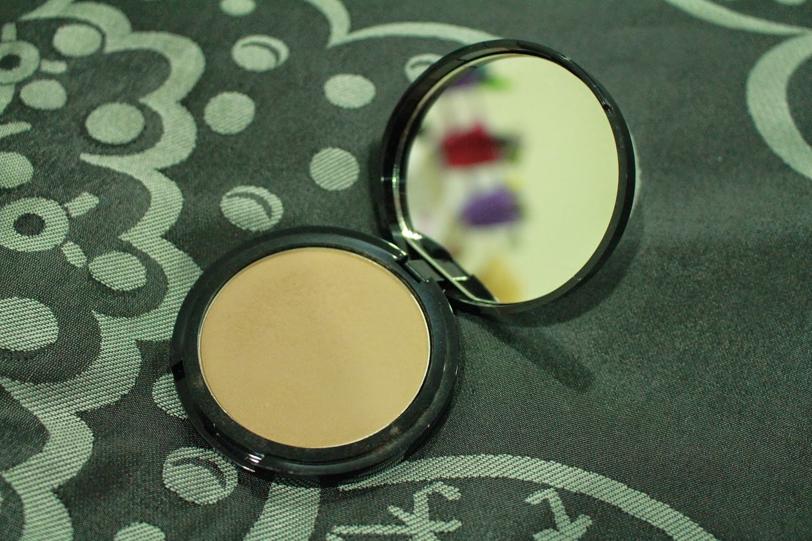 NYX Blotting Powder in the shade Deep