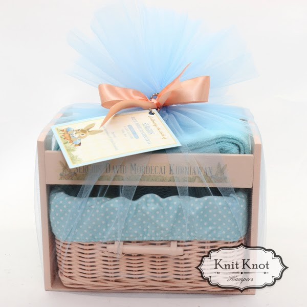 Knit knot hampers jakarta personalized baby hampers kids kids hampers peter rabbit negle Image collections