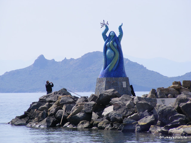 Statue At Turgutreis