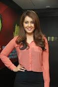 Raashi khanna latest glamorous stills-thumbnail-1