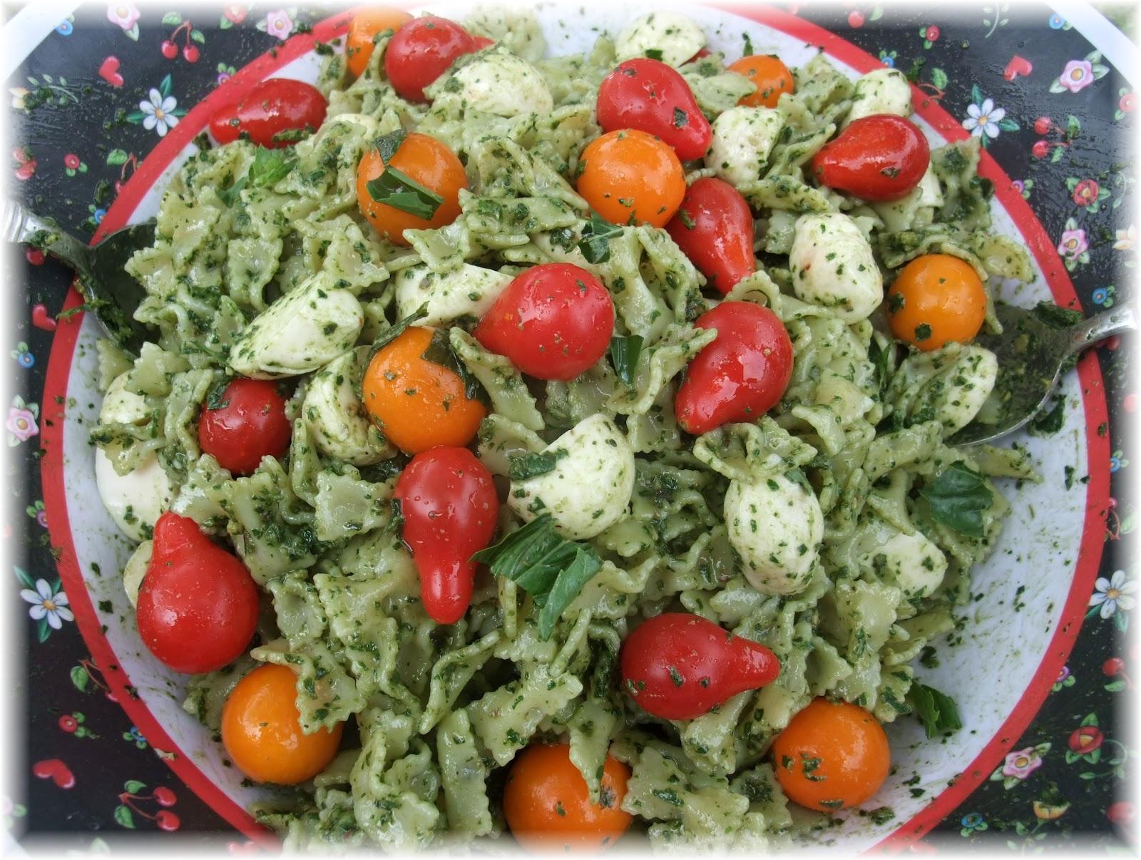 Tomato pesto mozzarella pasta recipe