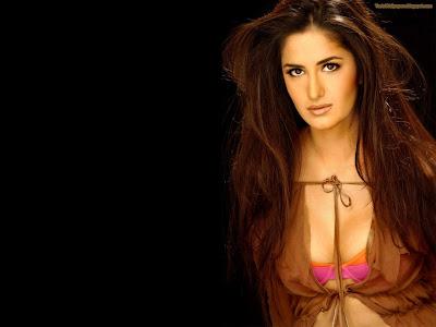 Katrina Kaif hot look Chikni Chameli Wallpapers