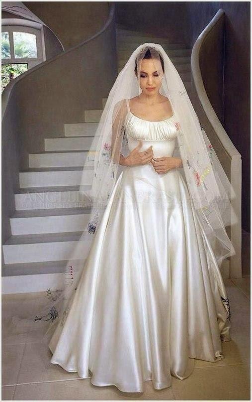 Tbt our favorite weddings of the season chromantics for Last season wedding dresses