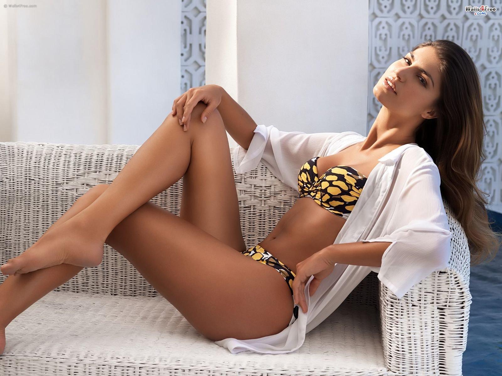 http://4.bp.blogspot.com/--7ofZMssiNg/TjgZ6t6XclI/AAAAAAAACsg/6AE-W1uo7aE/s1600/Hot+Girls+Wallpapers+%252850%2529.jpg