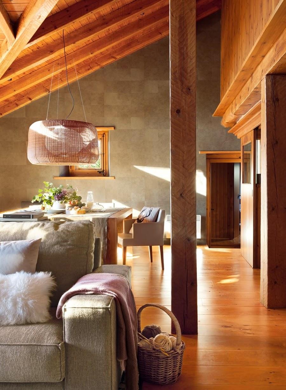 wystrój wnętrz, wnętrza, urządzanie mieszkania, dom, home decor, dekoracje, aranżacje, dom drewniany, domek w górach, chatka, drewniane skosy, drewniane belki, salon, jadalnia