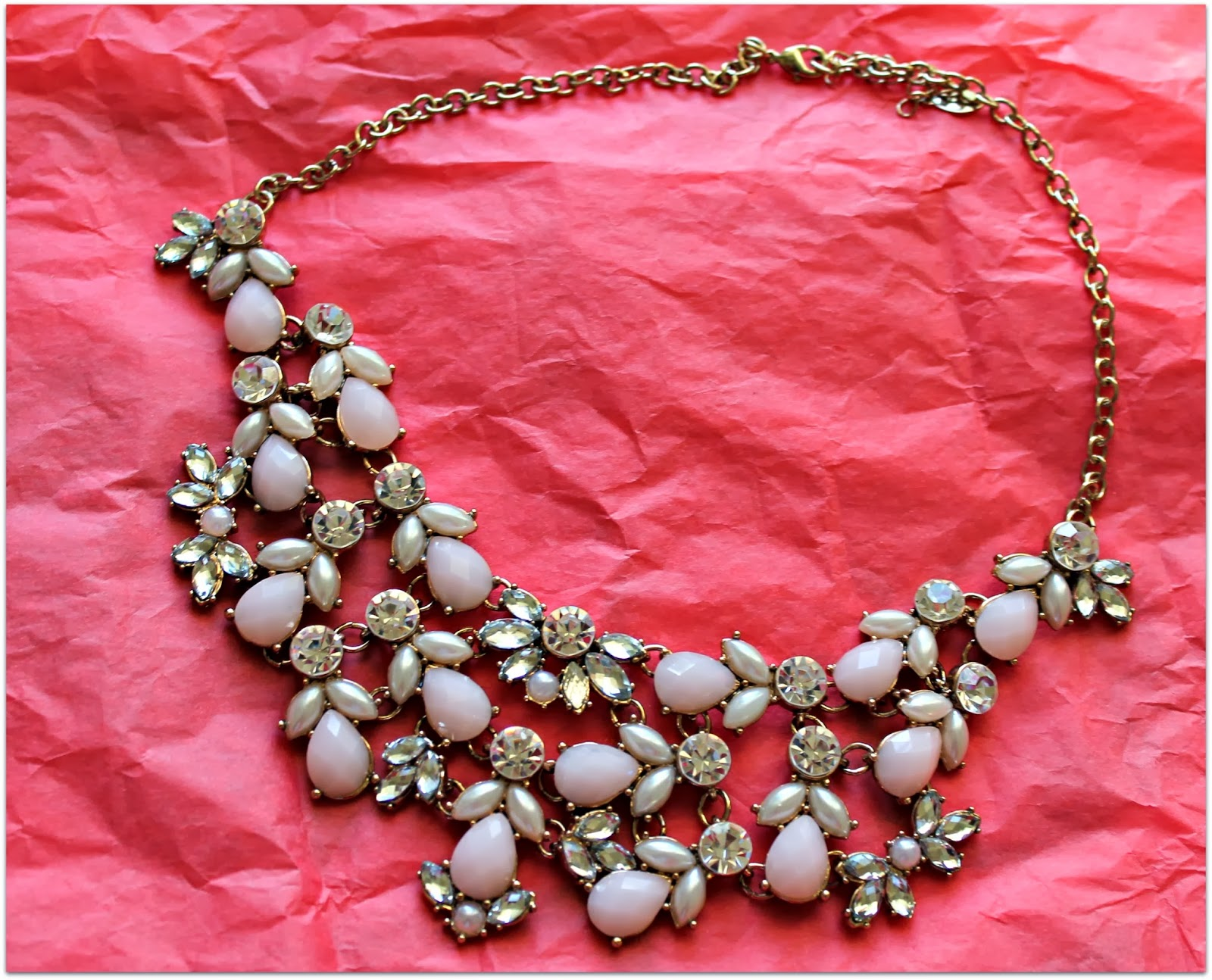 accessorize collar necklace