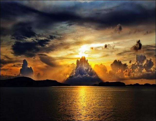 огромное небо одно на двоих слушать магомаева