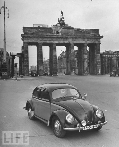 Volkswagen beetle history from hitler to hippy garage car for Garage ad barlin