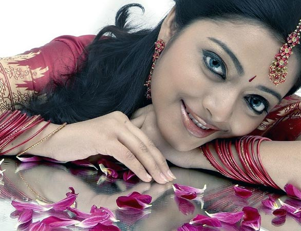 Actress Janani Iyer Hot Photo Gallery unseen pics
