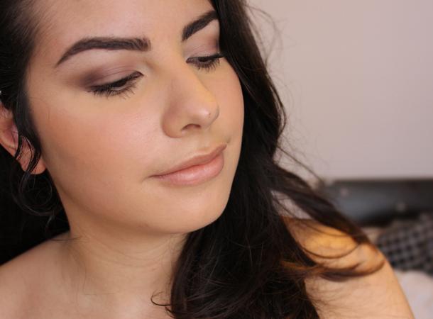 rimmel stay blushed apricot glow blush review swatch nc30
