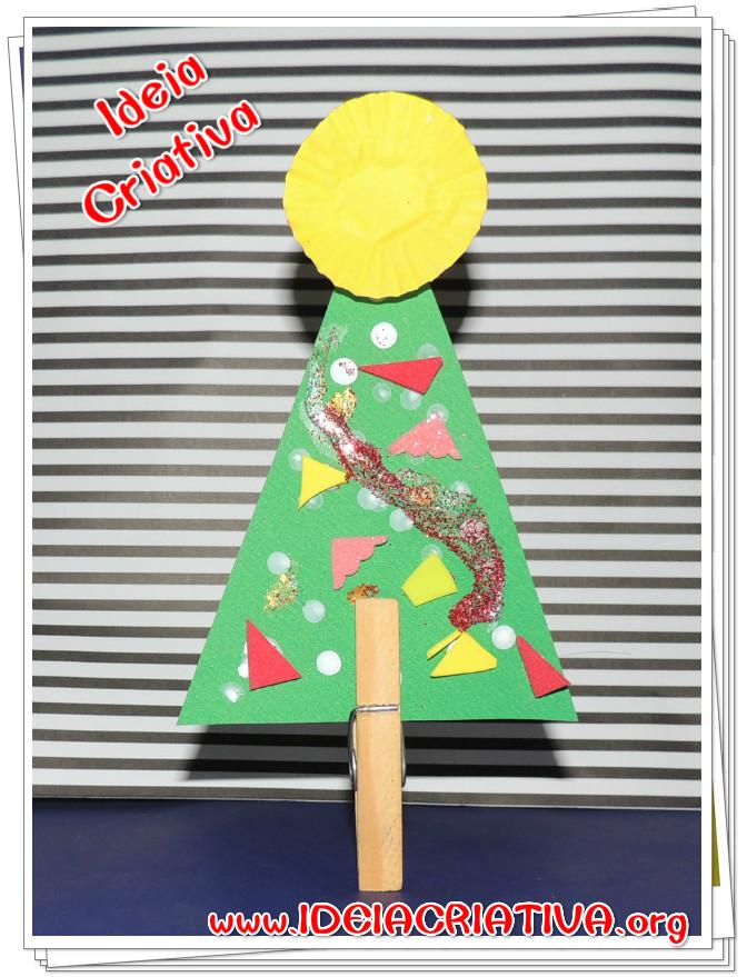 Pinheirinho de Natal  de Material Reciclável