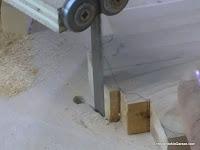 Eliminando madera con cortes rectos. www.enredandonogaraxe.com