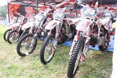 Koleksi Motor Grasstrack