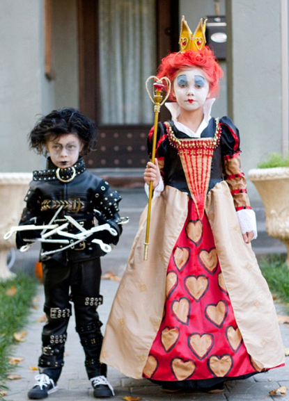 Express o the best halloween costumes ever edward scissorhands and her daughter bailey was the red queen from alice in wonderland how creative best part you can actually buy them for yourself solutioingenieria Choice Image