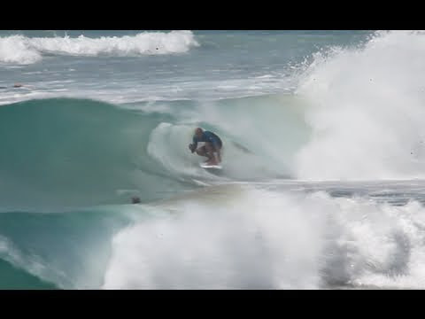Kelly Slater Getting Slotted at Greenmount Super Bank