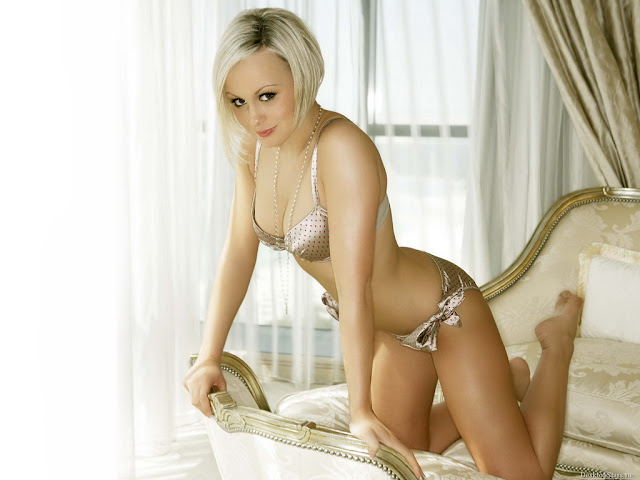Chanelle Hayes Wallpaper