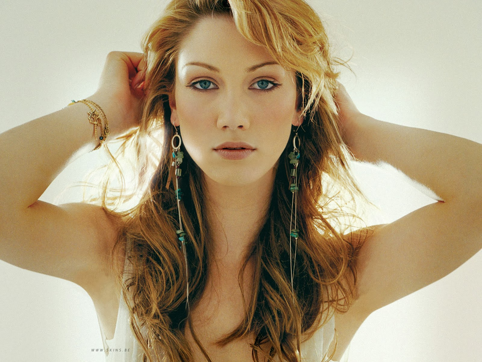Watch further The Decline Of Pepper Potts Iron Man 3 in addition Gal Gadot Is Hotness Personified 989997 further Index likewise Michelle. on scarlett johansson young
