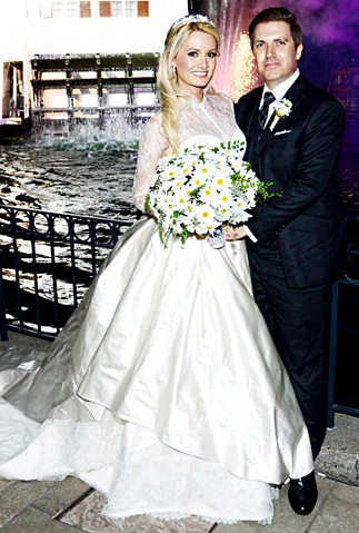 holly madison wedding dress
