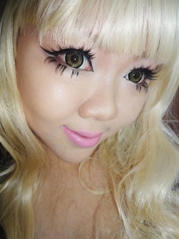 gyaru circle lens makeup