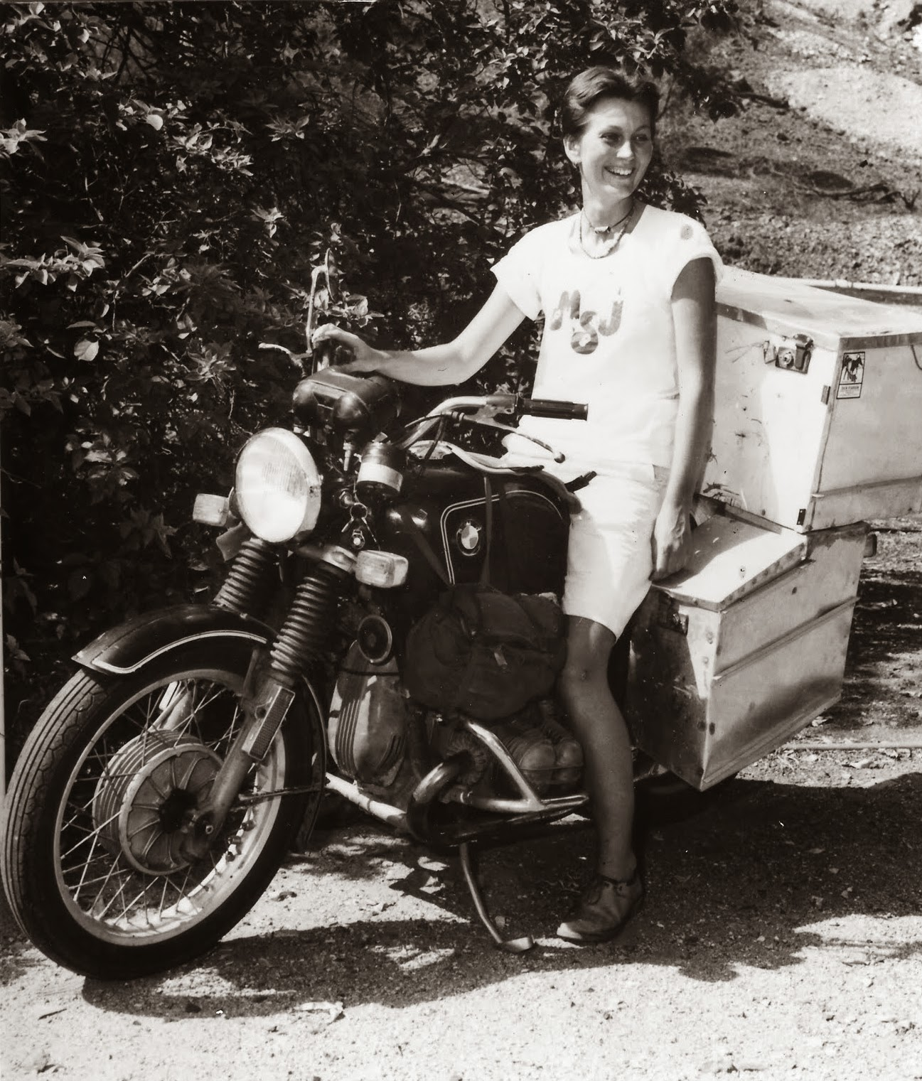 Clasp Garage Elspeth Beard The First Englishwoman To Ride