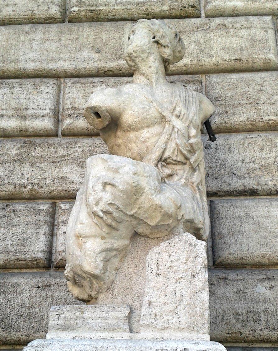 Pasquino e i suoi amici: le Statue Parlanti di Roma