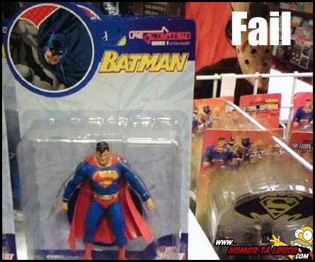 Destruindo sua infância - Brinquedo Batman ou Superman ?