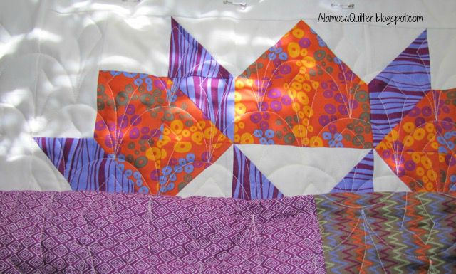 http://4.bp.blogspot.com/--ApKQtpS7M0/VdDDzDcrsyI/AAAAAAAAJKw/0L1_x8BfX1s/s640/Swoon%2Bquilting%2Bin%2Bprogress.jpg