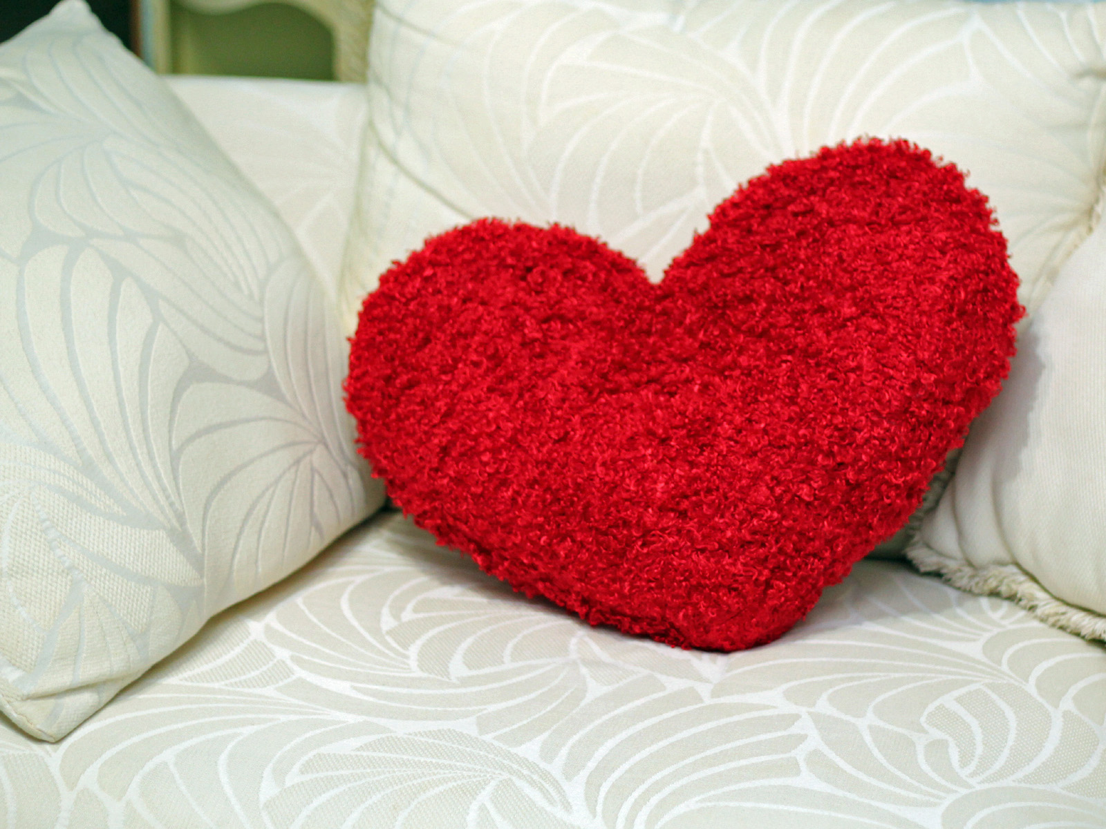 Image Gallery heart pillow
