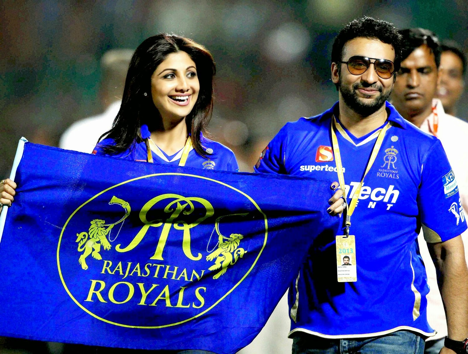 Shilpa Shetty Bollywood Celebrity Clothing in IPL 2014
